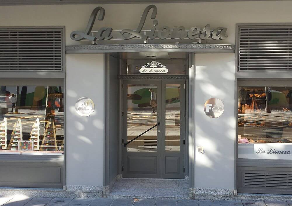 Reforma botiga pastisseria La Lionesa Manresa - Obrallar