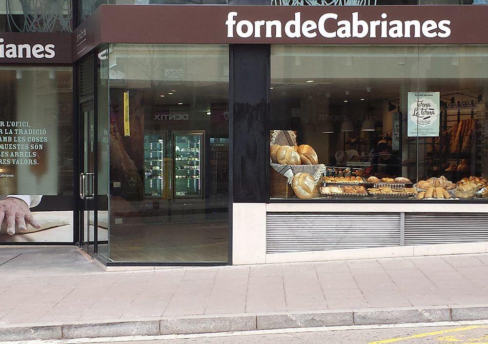 Reforma botiga Forn de Cabrianes Manresa - Obrallar