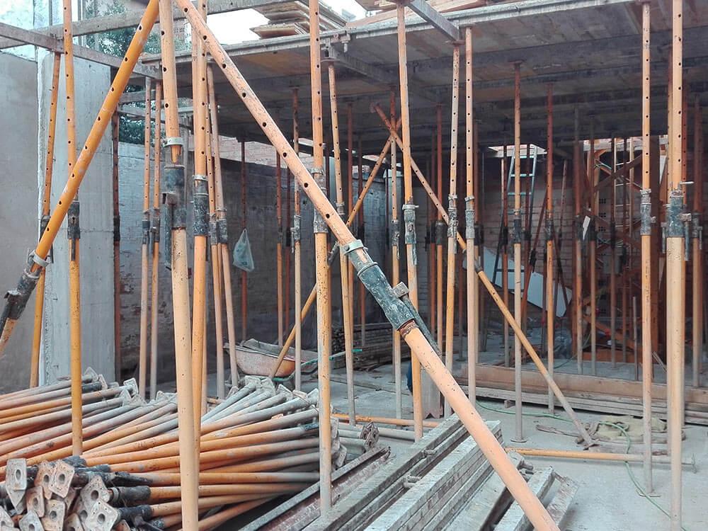 Edifici plurifamiliar en construcció